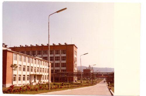 1965-cladire-cercetari-si-instalatia-e1-carom-1
